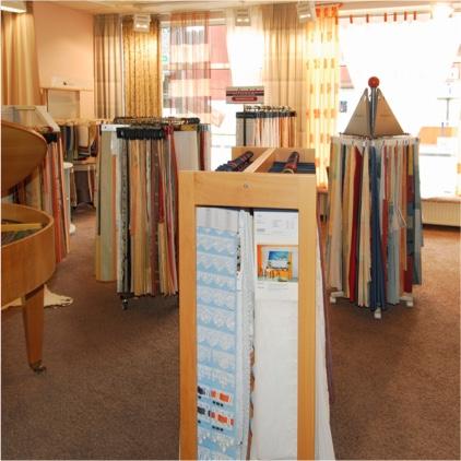gardinen und vorh nge in vielen farben und schnitten kreuder. Black Bedroom Furniture Sets. Home Design Ideas